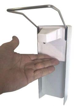 Dispenser sapone/disinfettante a muro con leva a gomito.